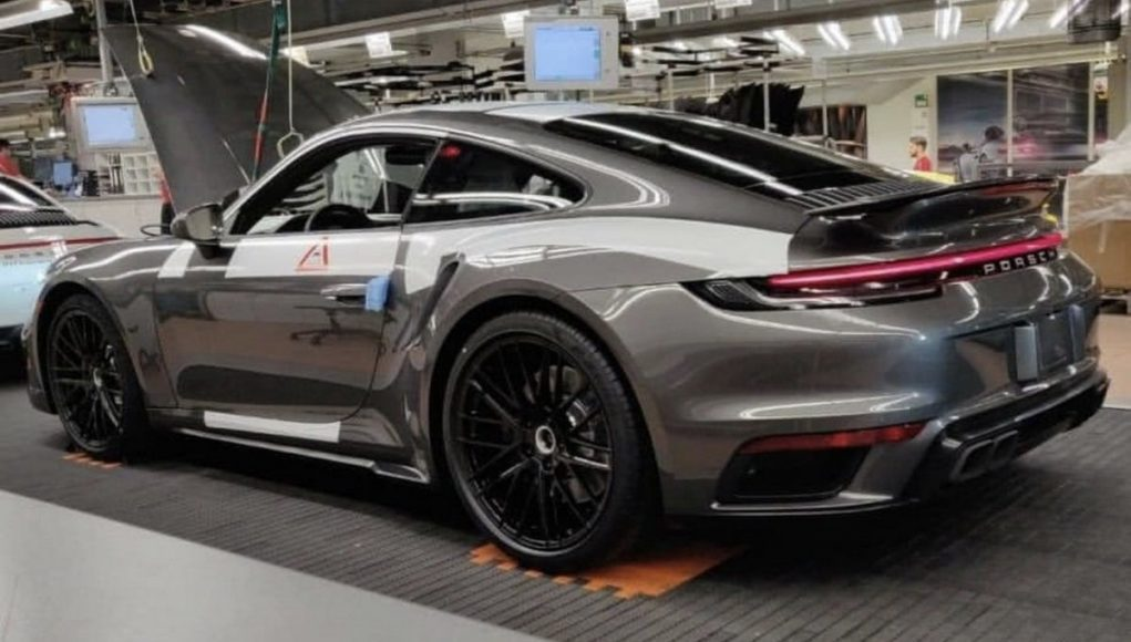 2020 Porsche 911 Turbo Leak