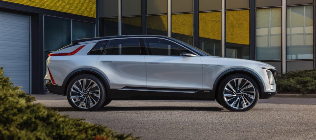 2023 cadillac lyriq electric crossover debuts with 300