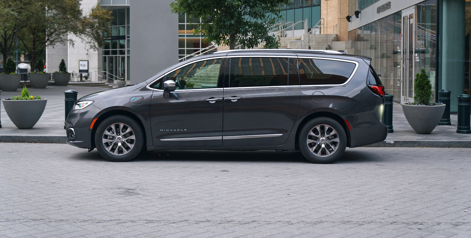 2021 Chrysler Pacifica Review